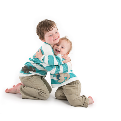 Cuddling brothers : Studio Portraits