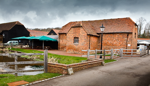 Tewing Bury Farm Hotel